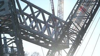 CLEANFEED Nouveau pont en acier pour le viaduc ferroviaire près de Gümmenen la Sarine