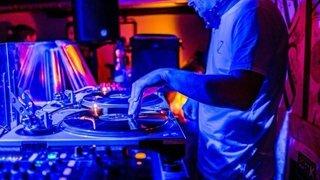 Coronavirus: un DJ set en live à écouter chez soi