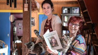 Un livre retrace la vie des 2500 pensionnaires du refuge de SOS chats à Noiraigue
