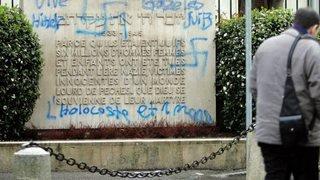 Discrimination: les théories du complot antisémite se renforcent en Suisse