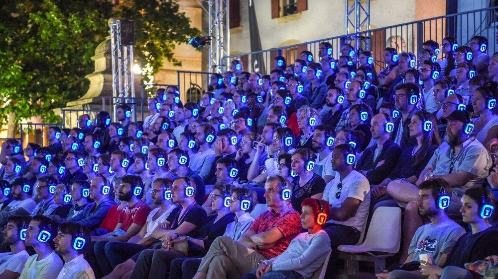 Nifff: projection sur écran géant à la place des Halles.