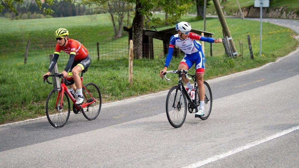 Alexandre Balmer a toujours conservé son enthousiasme, comme ici lors de son passage à La Chaux-de-Fonds (avec Valère Thiébaud à gauche).