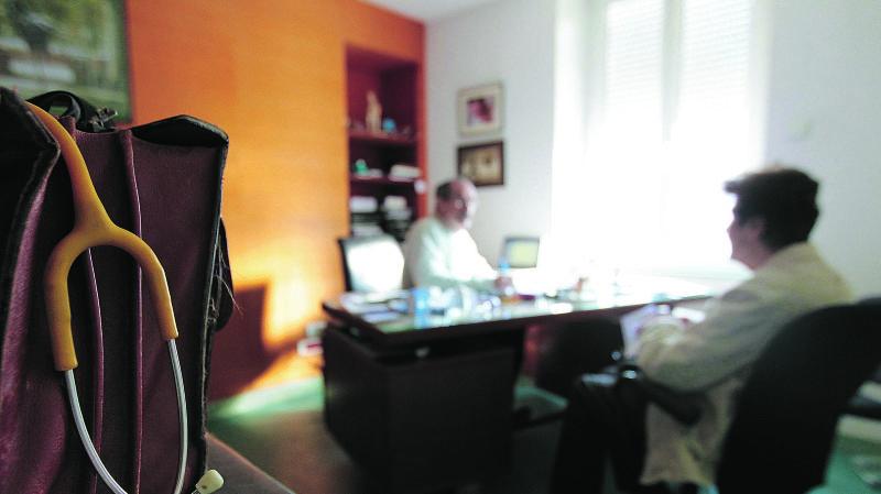 La Société neuchâteloise de médecine craint une bombe à retardement et demande des assouplissements