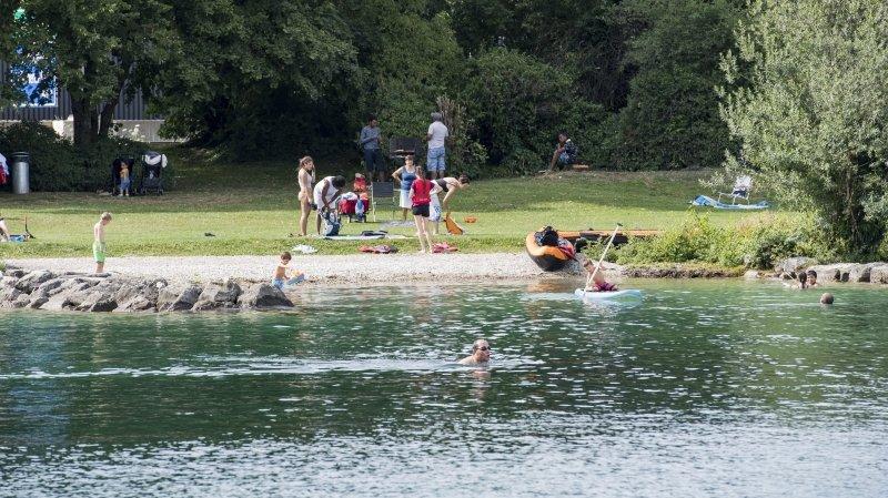 Auvernier: la police accueillie par des jets de bouteilles au bord du lac