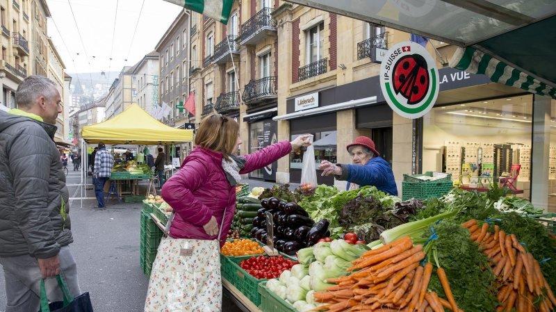 Coronavirus: le marché de Neuchâtel réparti en ville