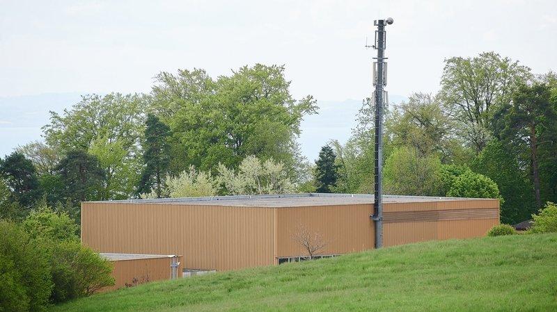 La transformation d'une antenne de téléphonie (ici située à Neuchâtel) ne passe pas à La Côte-aux-Fées.