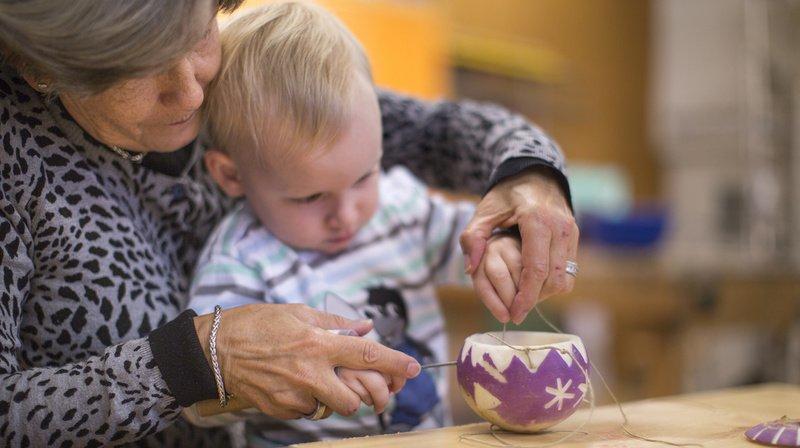 Coronavirus: les grands-parents peuvent à nouveau étreindre leurs petits-enfants, selon Daniel Koch