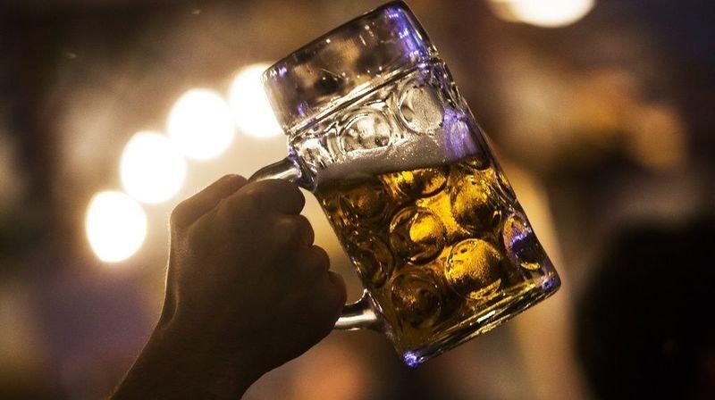 Coronavirus: des pubs britanniques forcés de jeter des millions de litres de bières