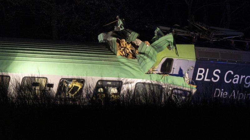 Accident ferroviaire: un train marchandise du BLS déraille et fait un mort