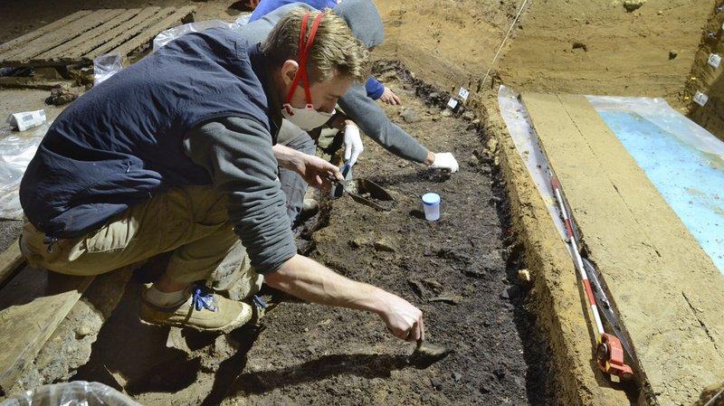 Une dent et des fragments d'os ont été prélevés dans la grotte de Bacho Kiro.
