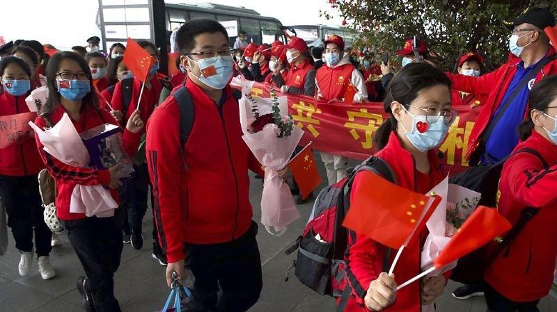 Coronavirus: à Wuhan, la quarantaine imposée depuis le 23 janvier prend fin