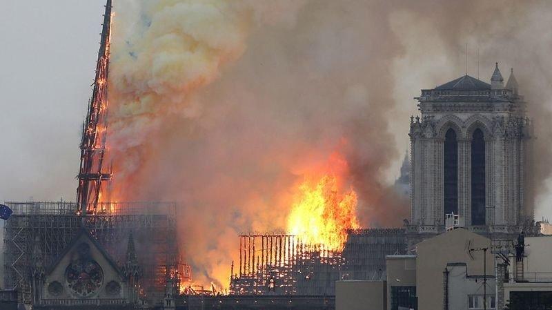 Incendie de Notre-Dame de Paris: Macron fera tout pour reconstruire la cathédrale en 5 ans
