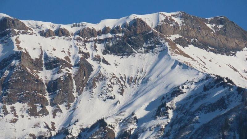 Le jeune homme de 26 ans cheminait avec son camarade de 24 ans dans la descente du sommet du Fanenstock.