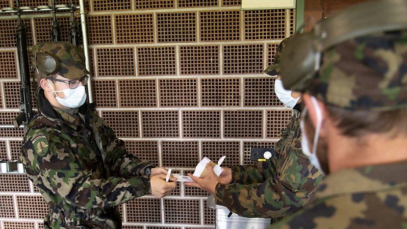 Coronavirus: 100 militaires testent l'app de l'EPFL qui retracera les chaînes d'infections