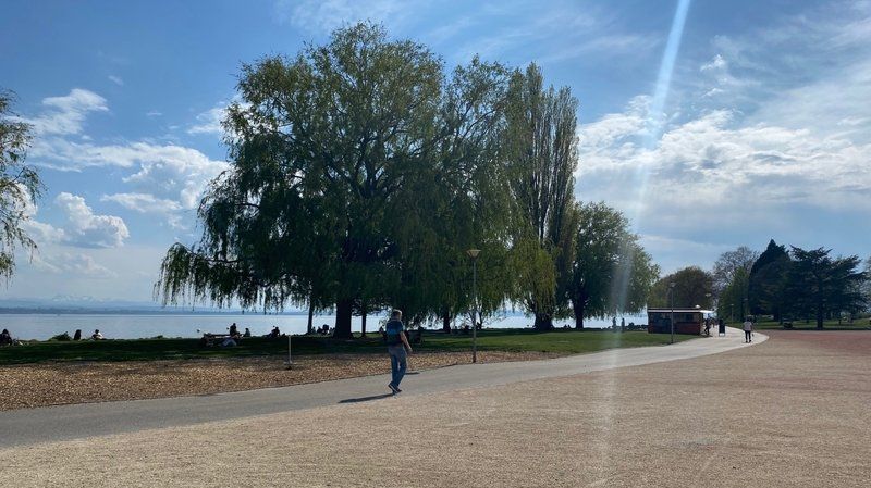Dimanche de Pâques: les Neuchâtelois s'abstiennent de squatter le bord du lac