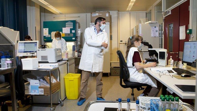 Covid-19: un laboratoire neuchâtelois analyse désormais tous les tests effectués dans le canton