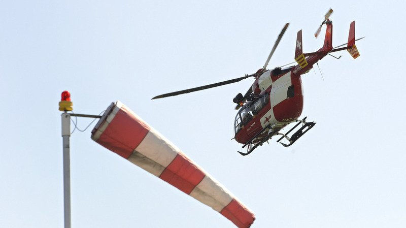 Un homme retrouvé mort après l'incendie d'une caravane dans le canton de Berne