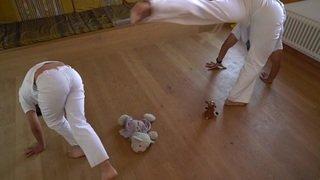 Coronavirus: un prof de capoeira se réinvente pour rester en contact avec ses élèves