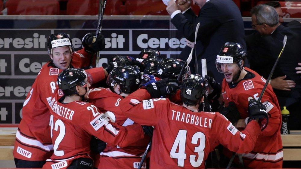 L'équipe de Suisse célèbre un but lors de la demi-finale remportée contre les Etats-Unis.