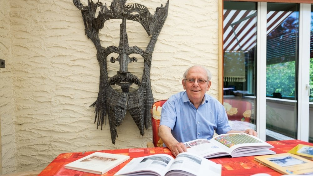 Maurice Evard a écrit plusieurs monographies villageoises mettant en exergue Savagnier, Dombresson ou Fontainemelon.