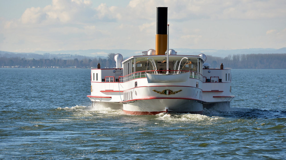 Le vapeur SS Neuchâtel.