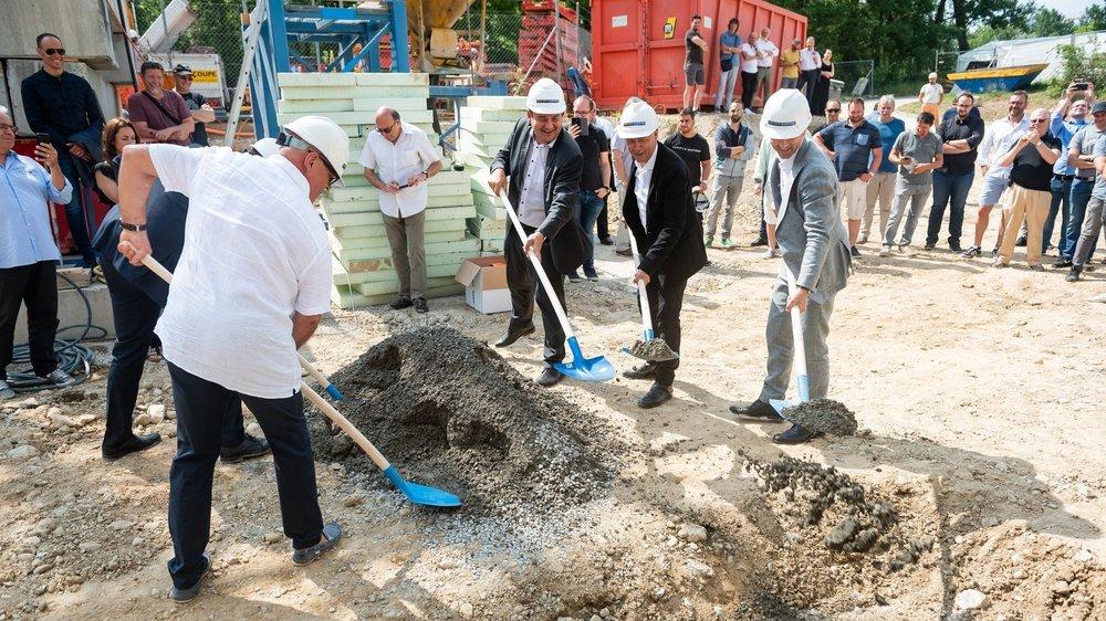 En juillet 2019 à Boudry, Someco posait la première pierre de l'usine qui sera finalement investie par Jean Singer en 2021.