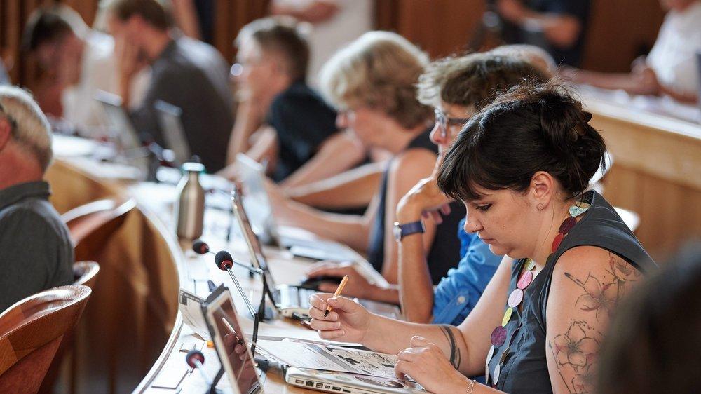 Au Grand Conseil neuchâtelois, la proportion de femmes est passée au-dessus de 30% lors des élections cantonales de 2017.