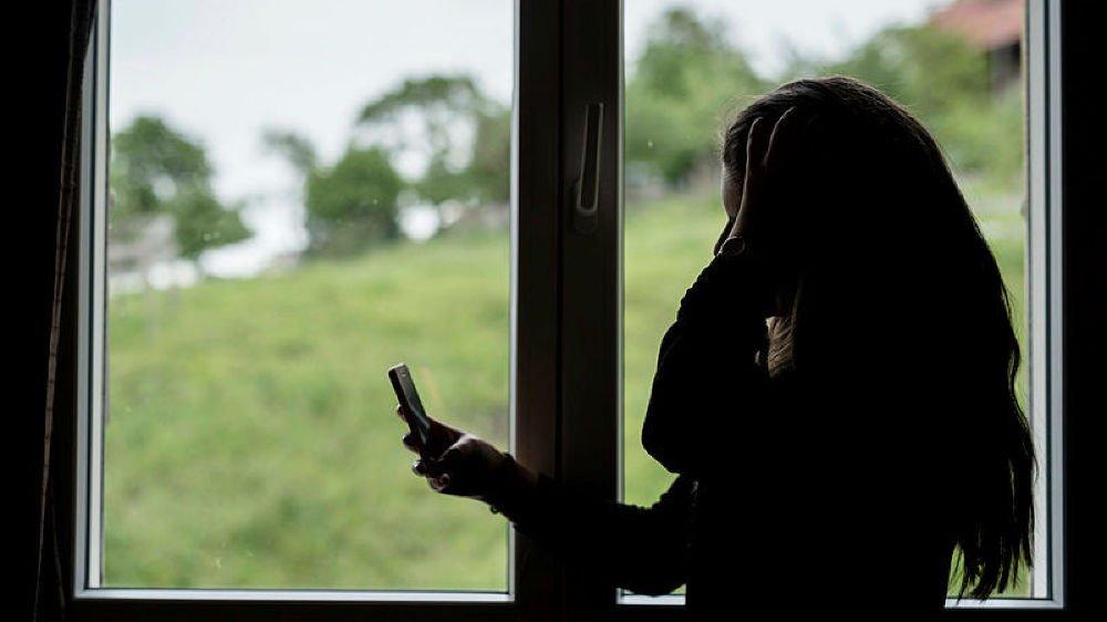 Avant que le mari jaloux ne poignarde les deux sœurs, une dispute avait éclaté au sujet du téléphone mobile de son épouse.