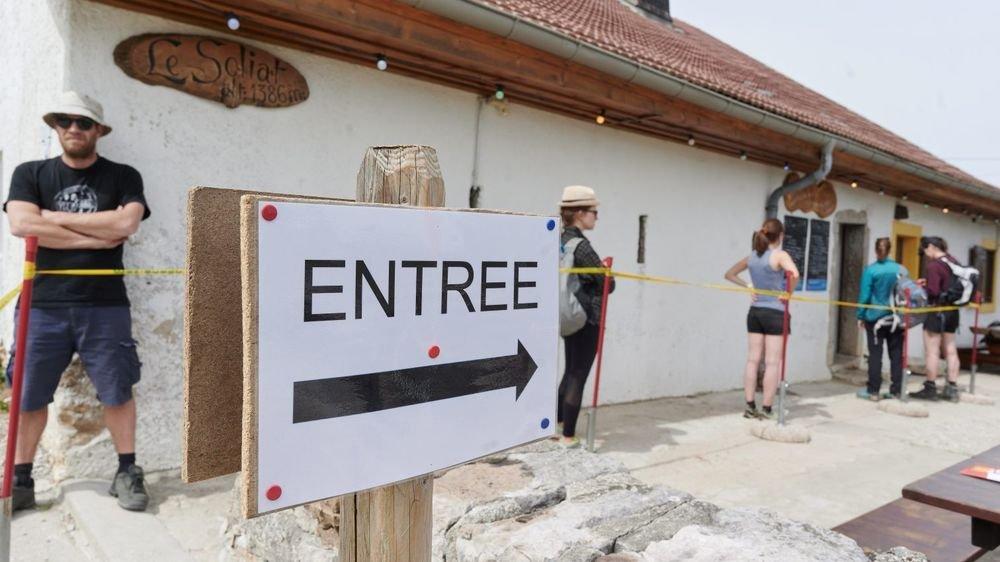 Le restaurant du Soliat a pu compter sur l'affluence des touristes alémaniques venus nombreux ce week-end de l'Ascension au Creux-du-Van.