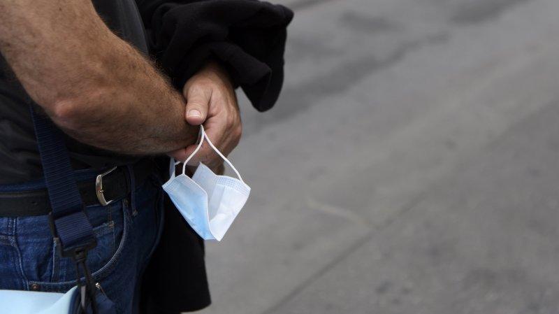Neuchâtel recommande le masque dans les commerces, le Jura et Vaud le rendent obligatoire