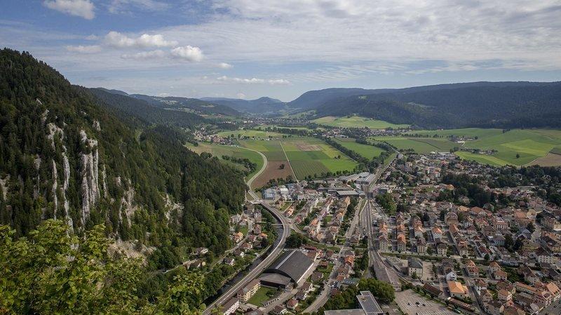 Val-de-Travers: des travaux à l'origine de l'affaissement de la route du Chapeau de Napoléon