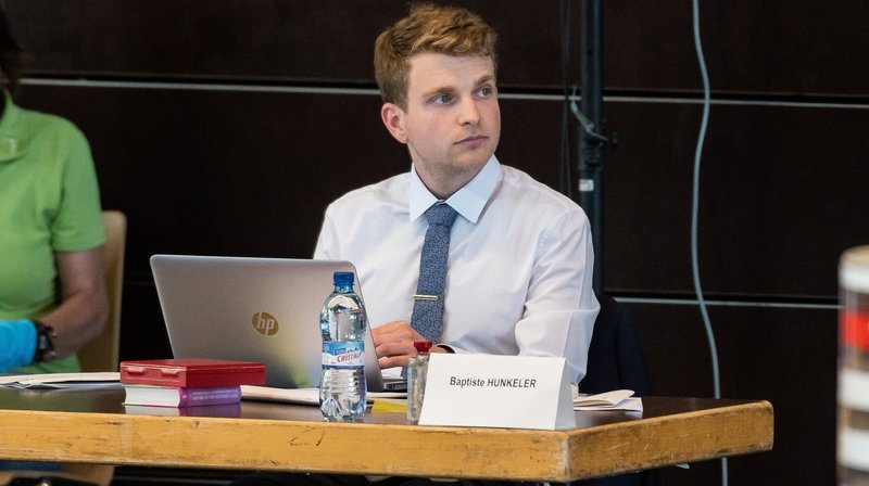 Baptiste Hunkeler accède à la présidence du Grand Conseil neuchâtelois
