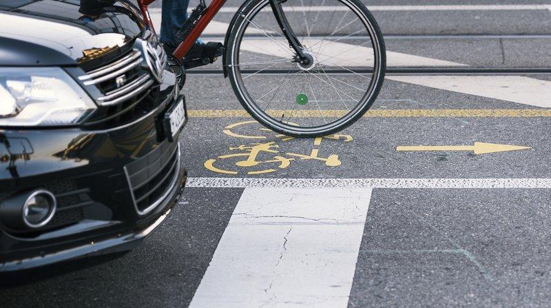 Neuchâtel: un cycliste blessé à la rue des Parcs