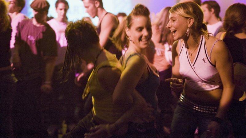 Coronavirus: 300 visiteurs d'un club zurichois en quarantaine