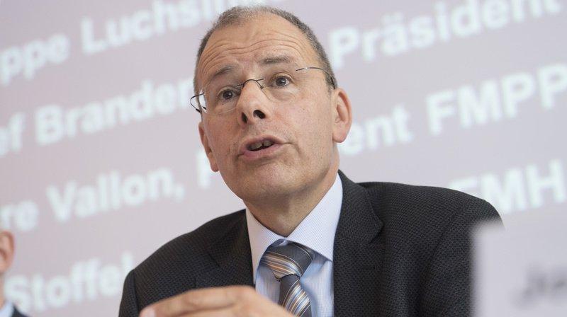 Jürg Schlup se plaint aussi de la charge administrative «énorme» que fait peser l'Office fédéral de la santé publique sur la profession. (archives)