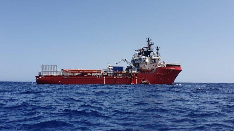 Bagarres, menaces physiques, tentatives de suicide: l'Ocean Viking demande un secours d'urgence