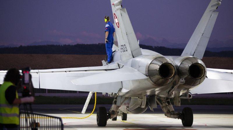 Armée: le référendum contre les nouveaux avions de combat est déposé