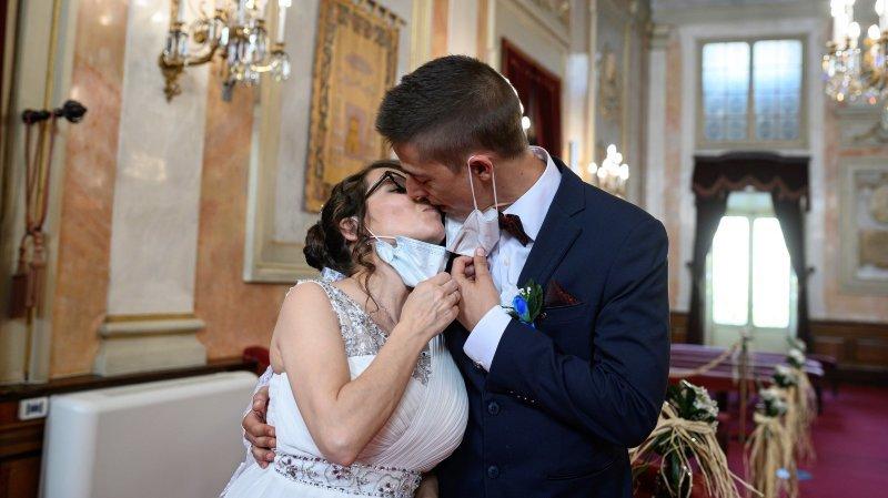 Mariages, pendulaires, noms de famille populaires: connaissez-vous bien le canton de Neuchâtel?