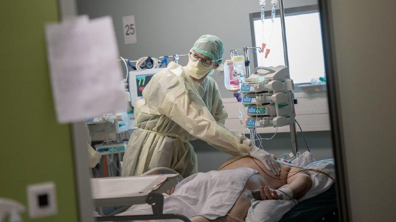 """Coronavirus: résultats """"encourageants"""" d'un traitement"""