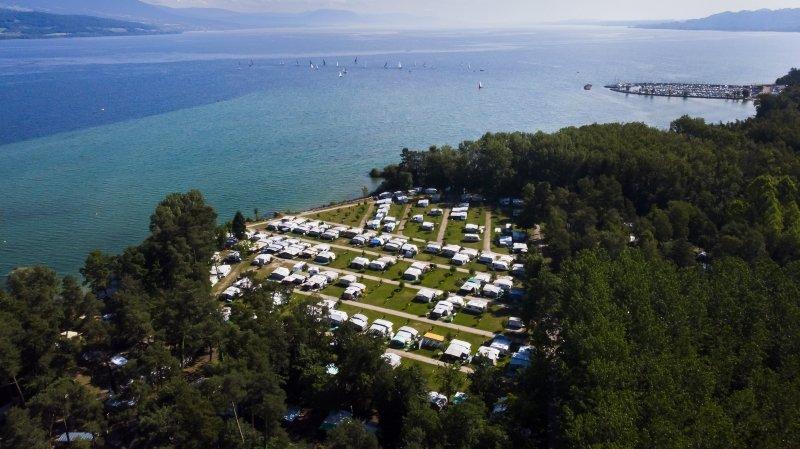 Les emplacements pour camping-cars vont s'arracher à La Tène et ailleurs