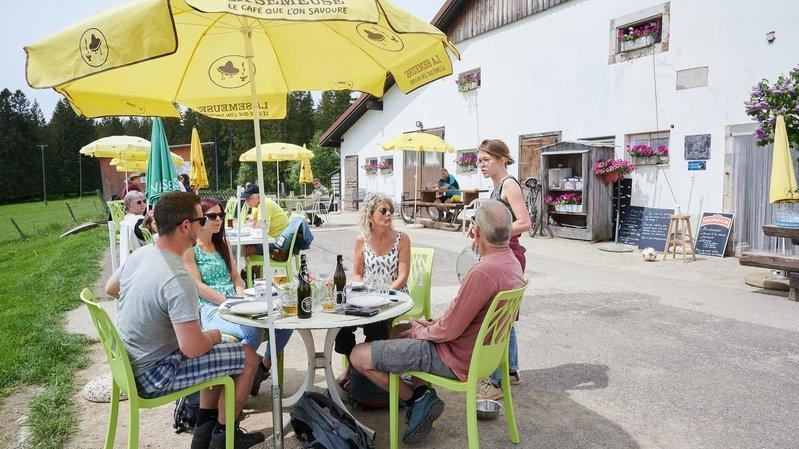 Sur les hauteurs de La Chaux-de-Fonds, la Buvette du Maillard mise sur l'optimisme