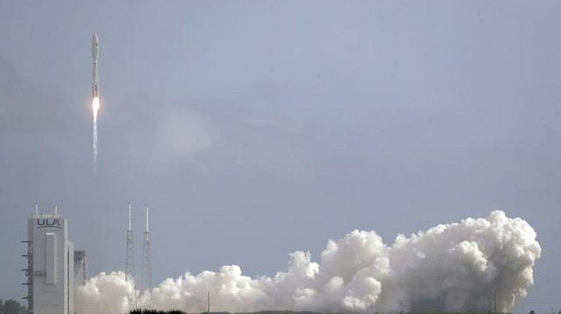 Un drone spatial de l'armée américaine, X-37B, a été lancé dimanche avec succès de la base de Cap Canaveral.