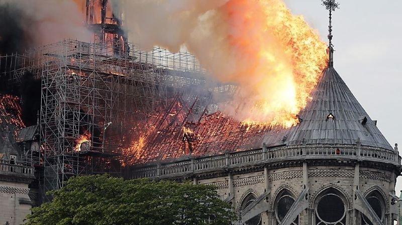 Notre-Dame de Paris: le démontage de l'échafaudage débute