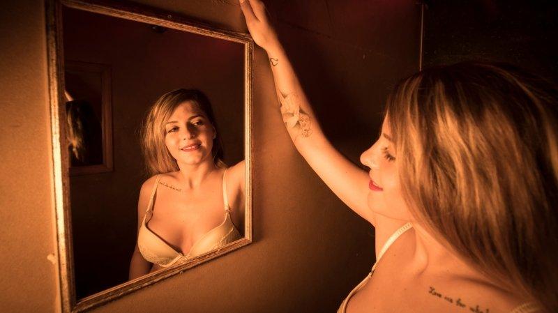 Cindy, propriétaire d'un salon érotique à Neuchâtel, soulagée de rouvrir