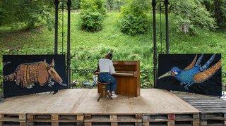 Trois pianos à disposition du public dans les rues de La Chaux-de-Fonds