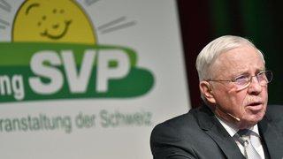 Rente de ministre: Christoph Blocher se justifie, la base de l'UDC est divisée