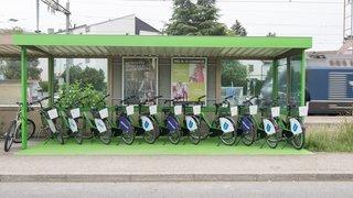 Ouverture d'une nouvelle station de vélos en libre-service à La Tène