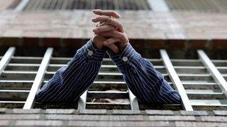 La justice neuchâteloise donne raison au violeur multirécidiviste privé de soins et de sorties