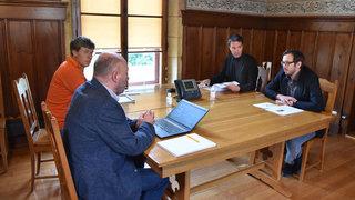 Conseillers communaux au bout du fil aux Brenets