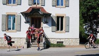Couvet: Ils ont couru 100 km pour le «Courrier du Val-de-Travers»